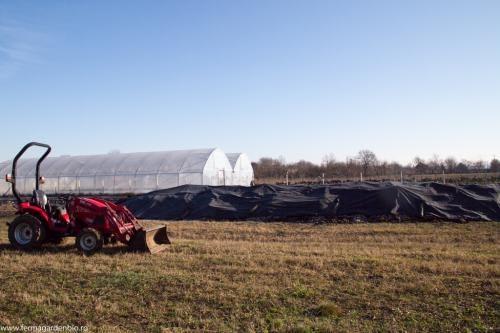 Acoperirea grămezii pentru compost accelerează procesul de compostare